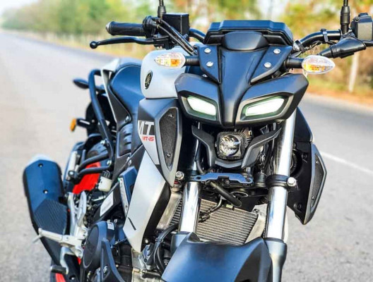 Yamaha MT 15 Feature Reviews